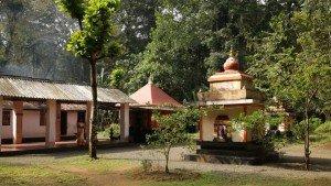 alapra_thacharikkal_bhagavathi_temple20140104121958_441_1