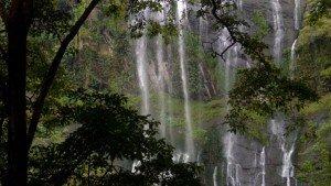 keezharkuth_waterfalls_idukki20131207114703_121_1