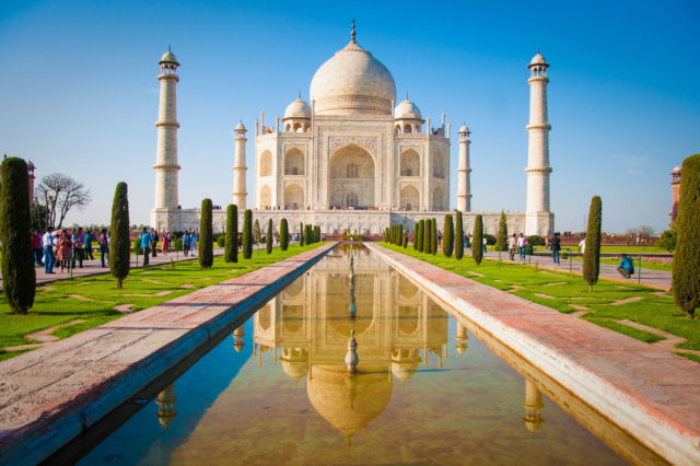indian-journeys-tour-packages-_-taj-mahal